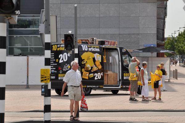 tourdefrancerotterdam3july2010-017B176F3BA-F9DA-CE78-7BFE-F4CDD05ABF06.jpg